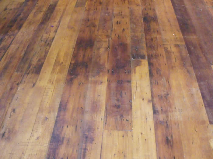 Close up of the oak flooring
