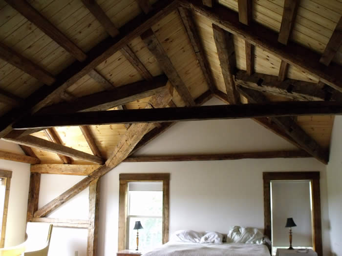 Second bedroom in the hertiage timber frame